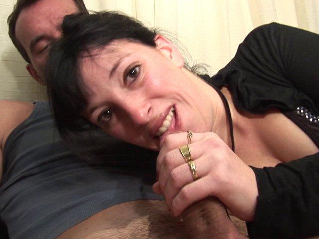 lechage de seins ma femme en double penetration