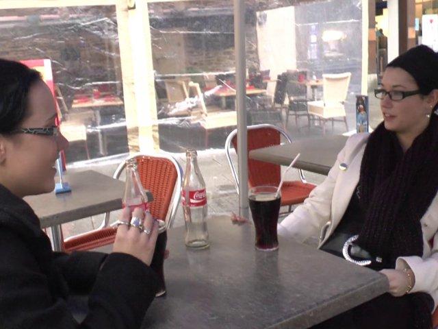 rdv dans un bar parisien pour aller à une partouze