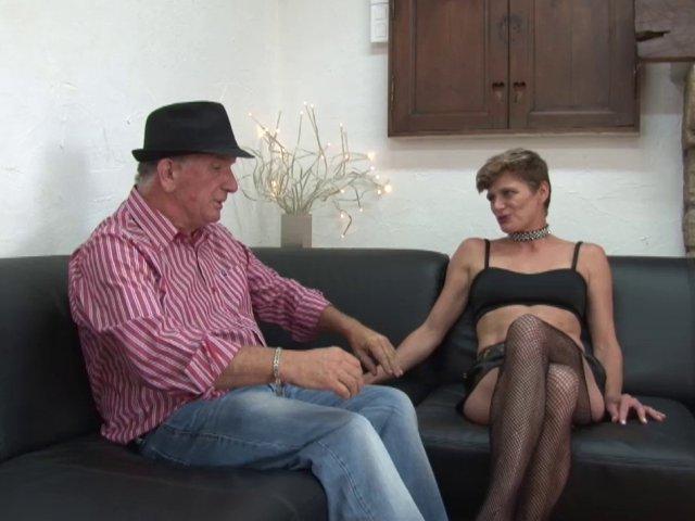 sexe avec Clara une bonne amatrice salope